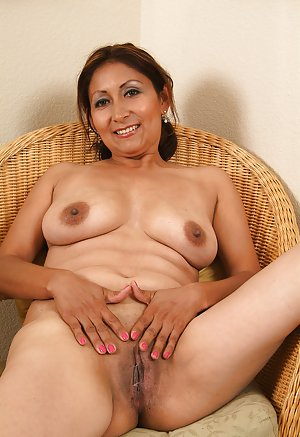 Mature Latina Photos