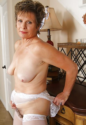 Hairy Mature Pussy Photos