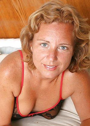 Mature Mom Photos