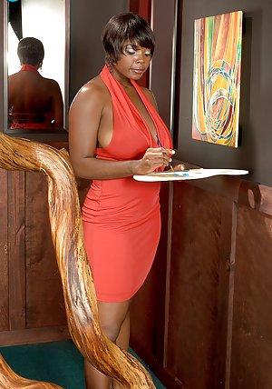 Ebony Mature Photos