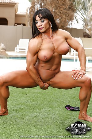 Muscle Matures Photos