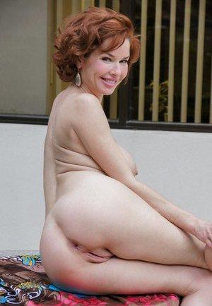 Mature Booty Photos